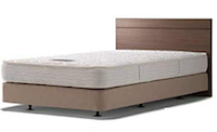ダブルクッションタイプのベッド