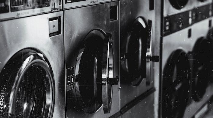マットレスはコインランドリーや洗濯機で洗える?