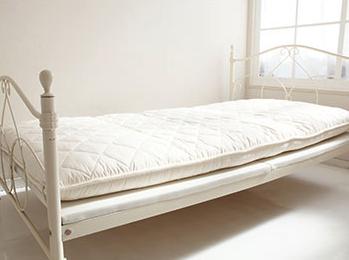 雲のやすらぎはベッドフレームの上にマットレスとしても使える