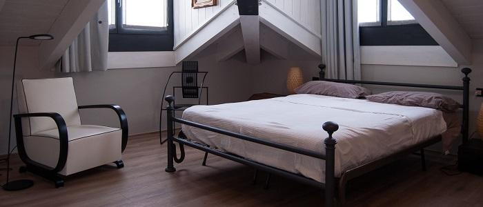 カリモクのベッドのスペック・値段と特徴